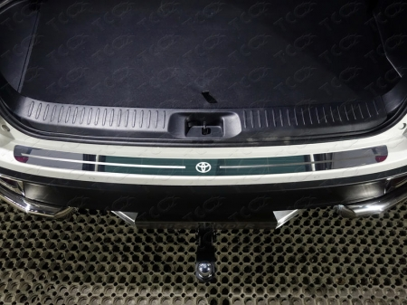 Toyota Highlander 2017-Накладка на задний бампер (лист зеркальный логотип Toyota)